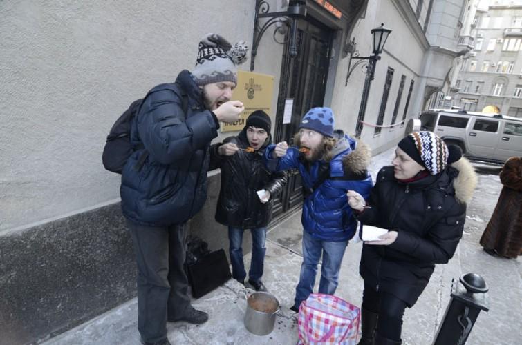 Денис Рудых в действии Солянка в галерее на Солянке